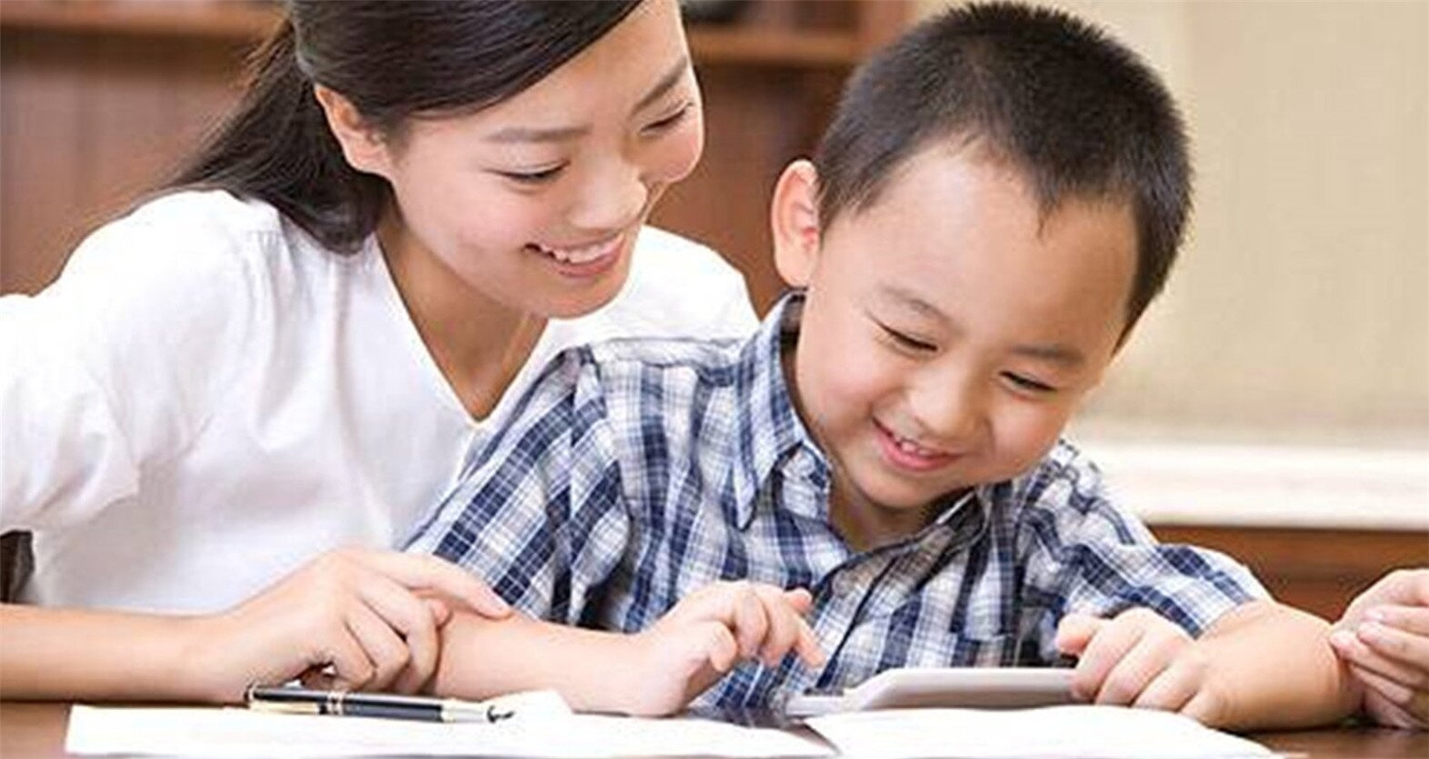 Seven problems your child faces when learning English. How many of your children have these?